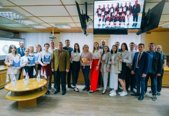 В Донецкой академии управления и государственной службы при Главе ДНР подвели итоги спортивной и общественной жизни студентов